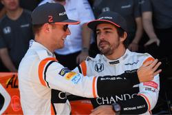 Stoffel Vandoorne, McLaren and Fernando Alonso, McLaren at the McLaren Team photo