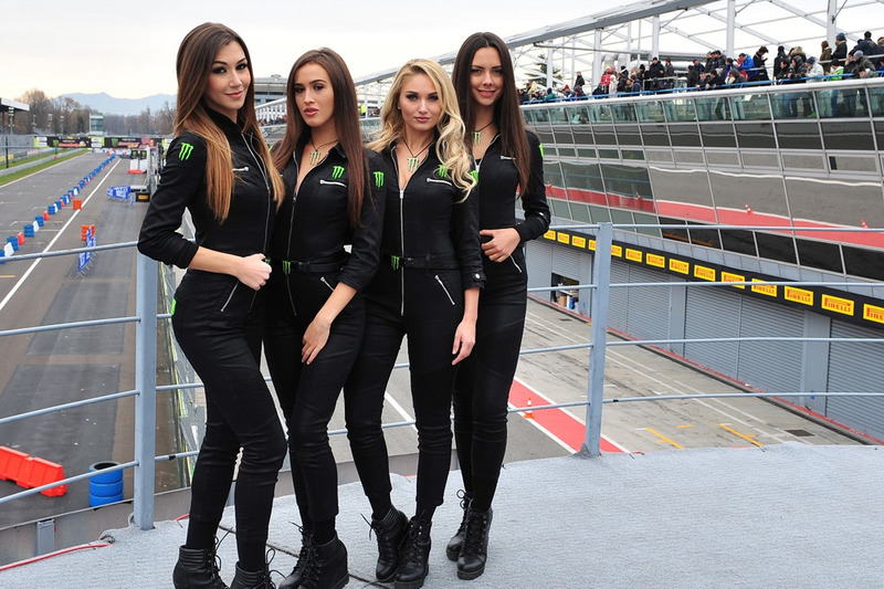 Grid girls Monster