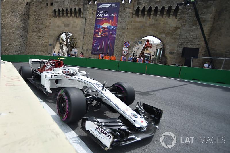 Su primer gran momento llegó en el GP de Azerbaiyán, donde acabó sexto. De ahí en adelante empezó una racha de grandes actuaciones.
