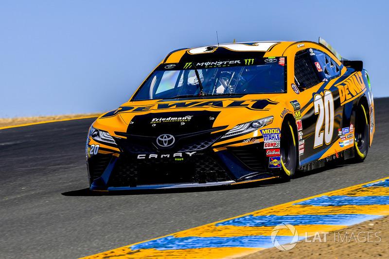 20. Erik Jones, Joe Gibbs Racing, Toyota Camry DeWalt