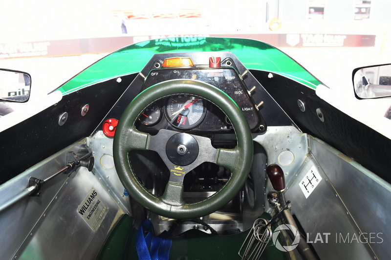 Cockpit del Williams FW08