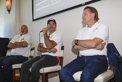 Bobby Rahal, Oriol Servia e Stefan Johansson annunciano l'ingresso della Scuderia Corsa nella Indy 500