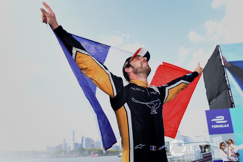 Jean-Eric Vergne, Techeetah, fête son titre sur le podium