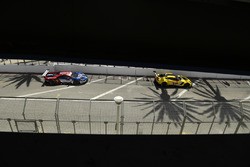 #4 Corvette Racing Chevrolet Corvette C7.R, GTLM: Oliver Gavin, Tommy Milner, #67 Chip Ganassi Racing Ford GT, GTLM: Ryan Briscoe, Richard Westbrook