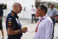 Технічний директор Red Bull Racing Едріан Нюі, Хуан-Пабло Мотойя