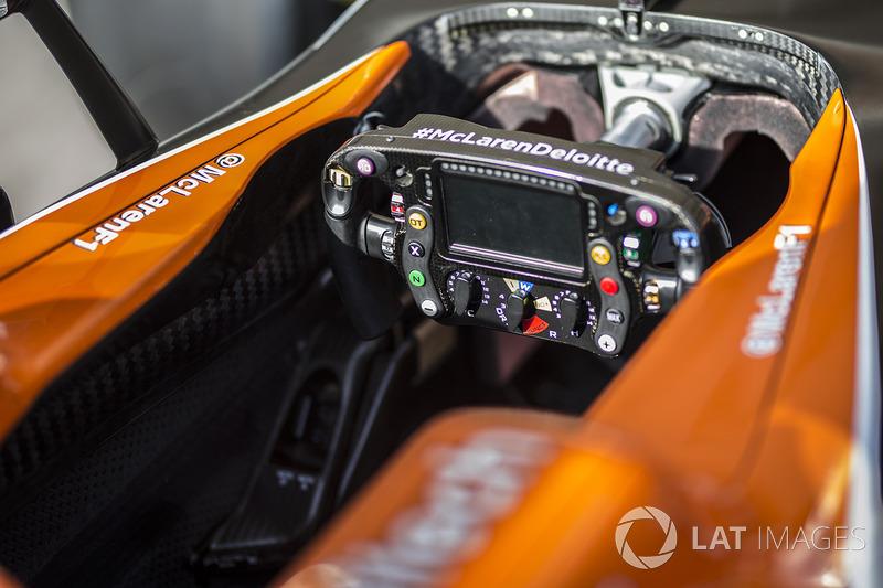 Le volant de la McLaren MCL32