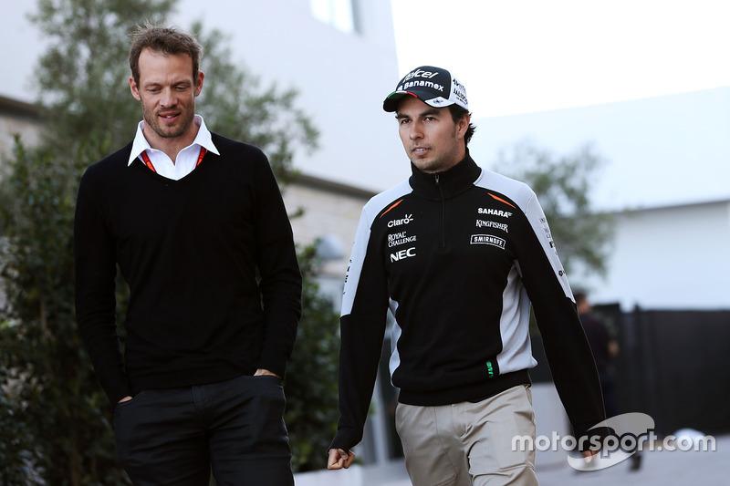 Alex Wurz, de Williams conductor Mentor GPDA Presidente con Sergio Pérez, Sahara Force India F1
