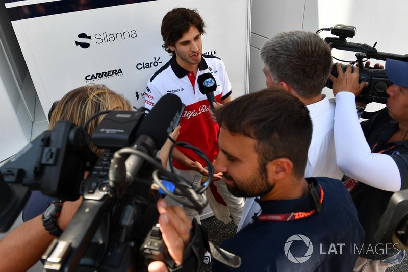 Antonio Giovinazzi, Sauber, parla con i media