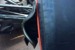 Sauber C37 front suspension