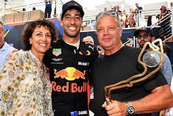 Race winner Daniel Ricciardo, Red Bull Racing celebrates with his Mother and Father