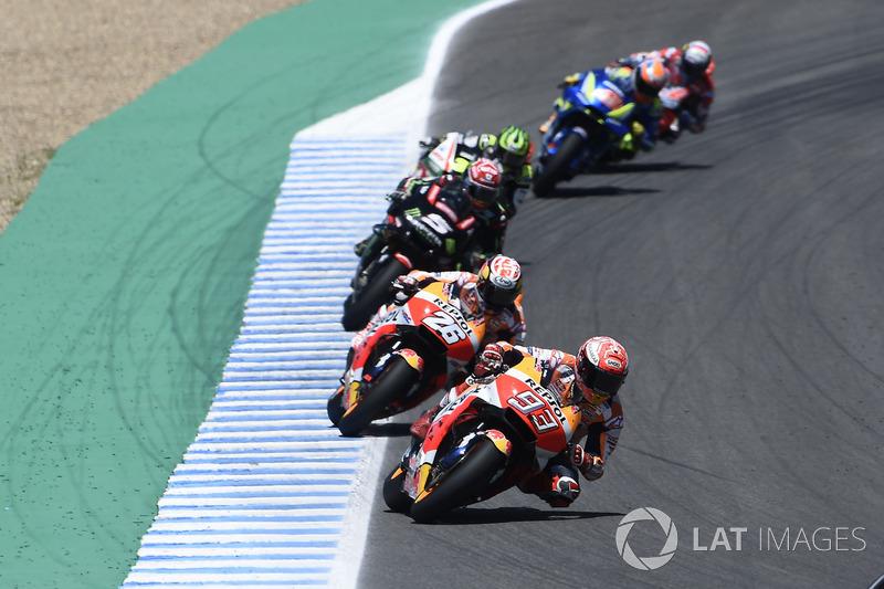 Marc Márquez largou em quinto, mas foi ganhando posições e em pouco tempo assumiu a liderança