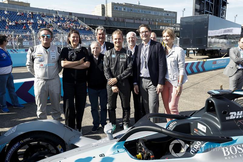Jean Todt, FIA President, Alejandro Agag, CEO, Formula E, Nico Rosberg, Formula 1 World Champion, Formula E investor, with the new Gen2 Formula E Car.Jean Todt, FIA President, Alejandro Agag, CEO, Formula E, Nico Rosberg, Formula 1 World Champion, Formula