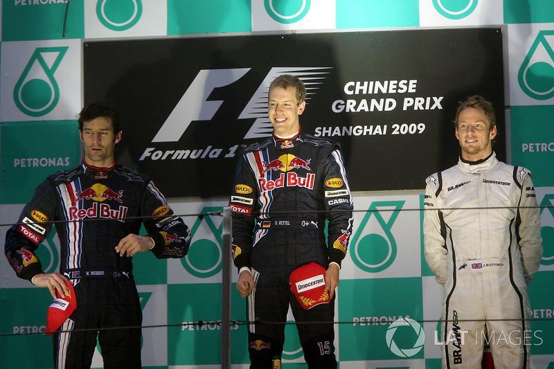 2009. Подіум: 1. Себастьян Феттель, Red Bull. 2. Марк Веббер, Red Bull. 3. Дженсон Баттон, Brawn
