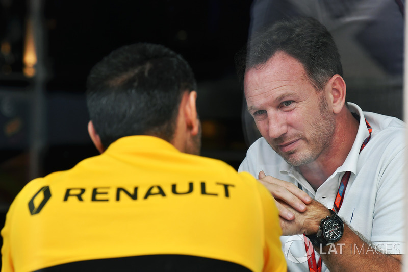 Christian Horner, jefe de equipo de carreras de Red Bull y Cyril Abiteboul, Managing Director de Renault Sport F1