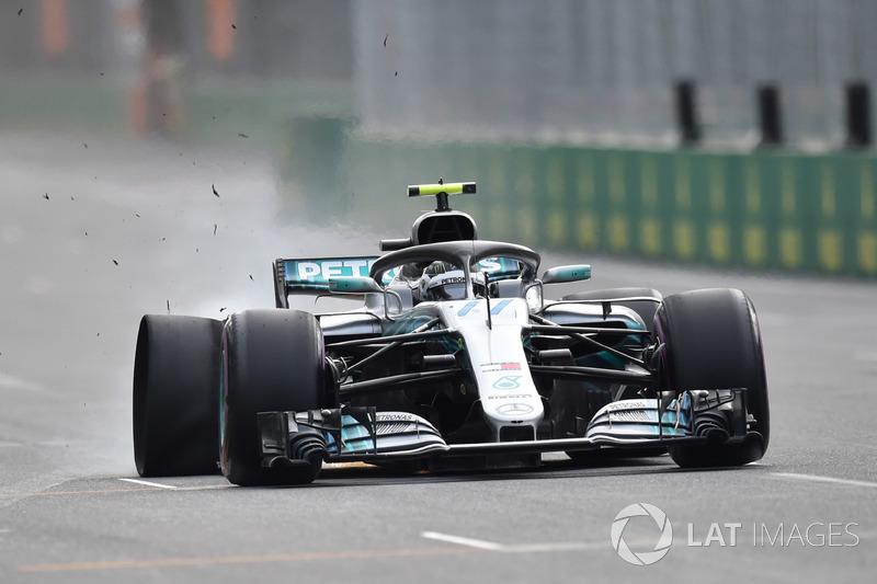 Valtteri Bottas, Mercedes-AMG F1 W09 EQ Power+ pecah ban belakang