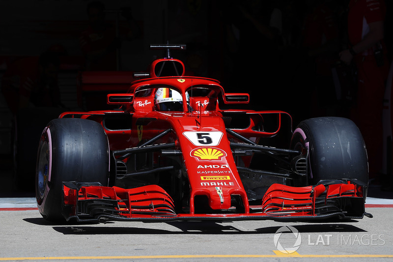Sebastian Vettel, Ferrari SF71H, esce dal garage