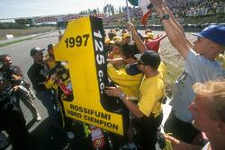Valentino Rossi, Aprilia, fête son titre avec ses fans