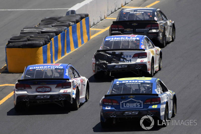 A.J. Allmendinger, JTG Daugherty Racing Chevrolet, Chris Buescher, JTG Daugherty Racing Chevrolet, Jimmie Johnson, Hendrick Motorsports Chevrolet