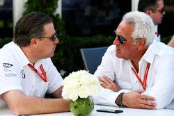 Zak Brown, McLaren-Chef, mit Lawrence Stroll