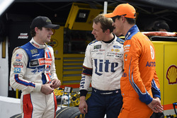 Ryan Blaney, Wood Brothers Racing, Ford; Brad Keselowski, Team Penske, Ford; Joey Logano, Team Penske, Ford