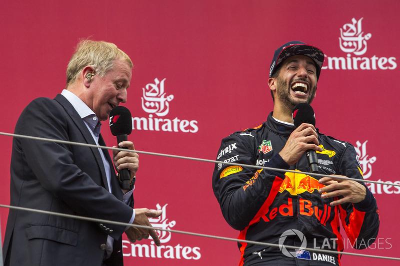 Podium: third place Daniel Ricciardo, Martin Brundle, Sky TV