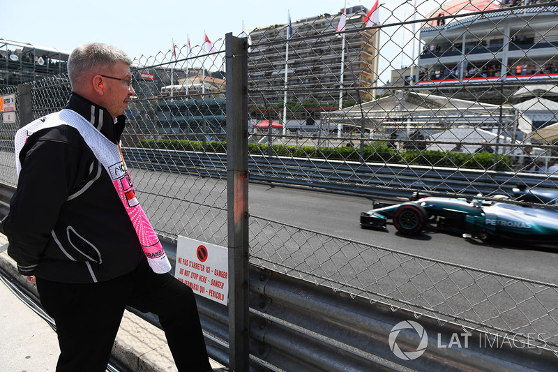 Ross Brawn, Formula One Managing Director of Motorsports watches Lewis Hamilton, Mercedes-Benz F1 W0