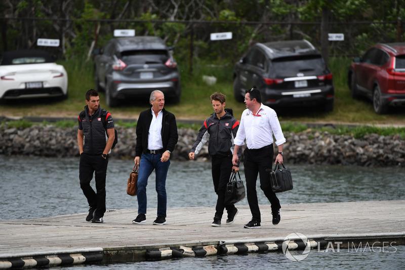 Romain Grosjean, Haas F1 und Eric Boullier, McLaren