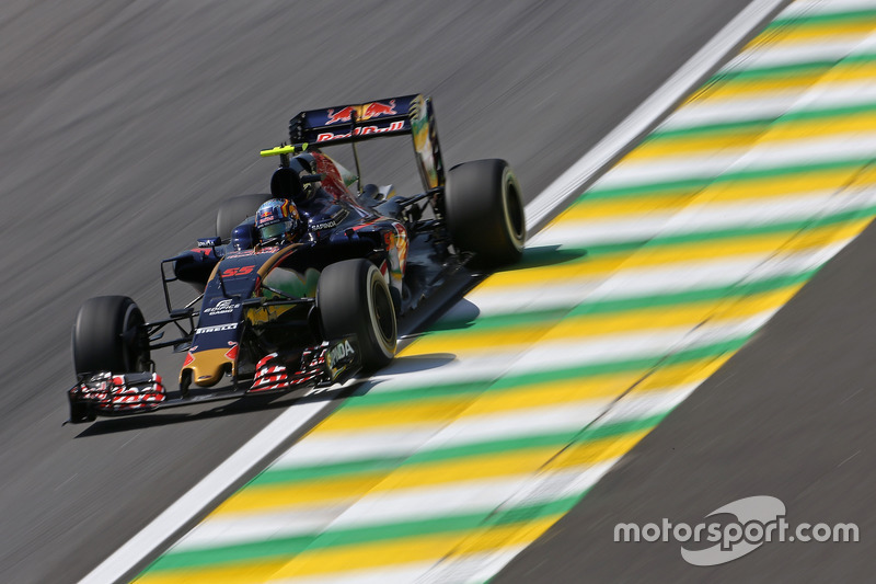 Carlos Sainz Jr (ESP) Scuderia Toro Rosso  11.11.2016. Formula 1 World Championship, Rd 20, Brazilian Grand Prix, Sao Paulo, Brazil, Practice Day. - www.xpbimages.com, EMail: requests@xpbimages.com - copy of publication required for printed pictures. Every used picture is fee-liable. © Copyright: Charniaux / XPB Images