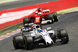 Felipe Massa, Williams FW40, Sebastian Vettel, Ferrari SF70H