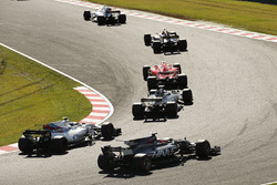 Nico Hulkenberg, Renault Sport F1 Team RS17, Kimi Raikkonen, Ferrari SF70H, Kevin Magnussen, Haas F1 Team VF-17, Lance Stroll, Williams FW40, Romain Grosjean, Haas F1 Team VF-17