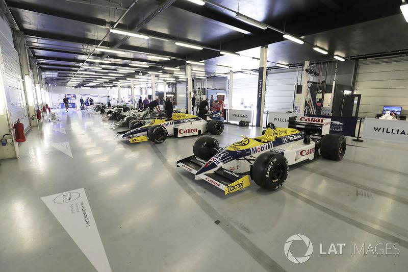 Коллекция Williams. На переднем плане – модель FW11 Honda