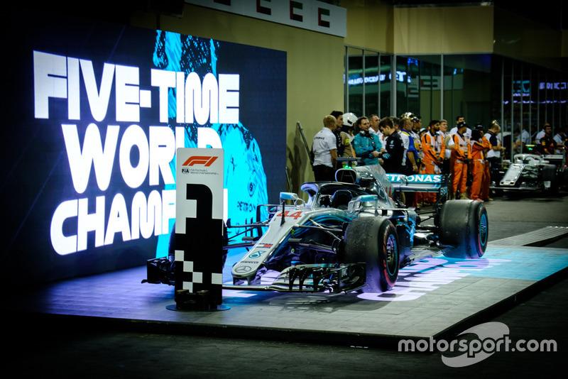 Mercedes AMG F1 W09, Льюис Хэмилтон