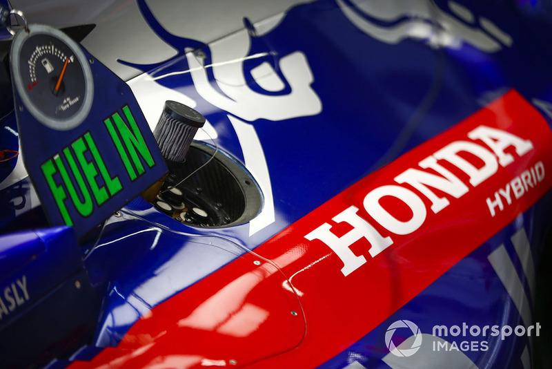 Honda branding on a Toro Rosso engine cover