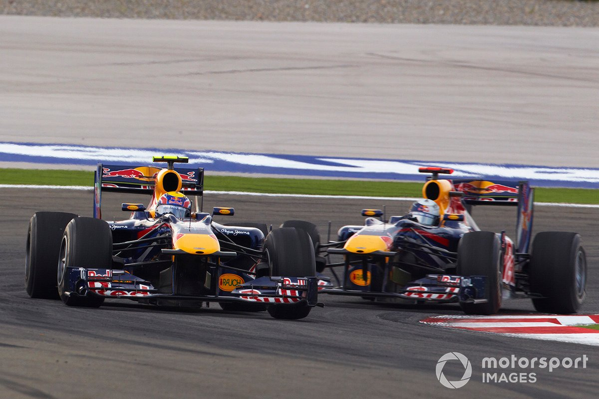 Mark Webber, Red Bull Racing RB6 Renault, Sebastian Vettel, Red Bull Racing RB6 Renault