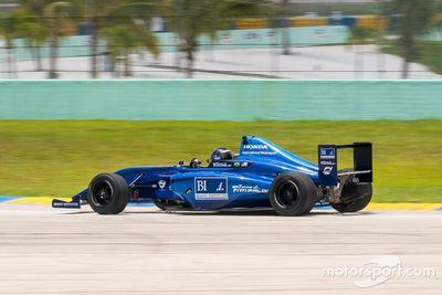 Emerson Fittipaldi Jr. testet Formel 4