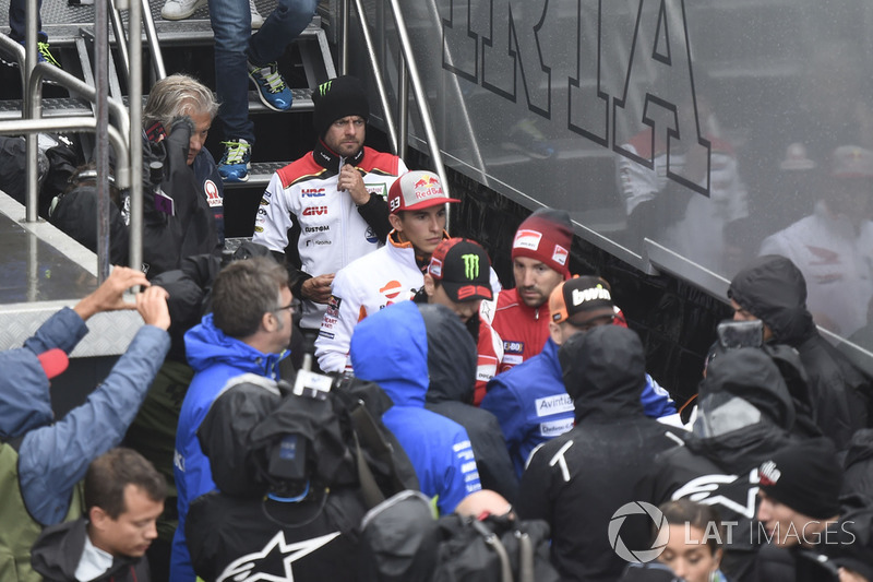 Кел Кратчлоу, Team LCR Honda, Марк Маркес, Repsol Honda Team, після засідання Комісії з безпеки