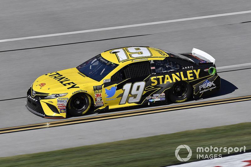13. Daniel Suarez, Joe Gibbs Racing, Toyota Camry STANLEY
