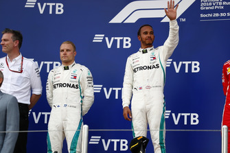 Race winner Lewis Hamilton, Mercedes AMG F1, second place Bottas, Mercedes AMG F1, and James Allison, Technical Director, Mercedes AMG on the podium