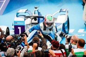 Antonio Felix da Costa, BMW I Andretti Motorsports celebrates victory in parc ferme
