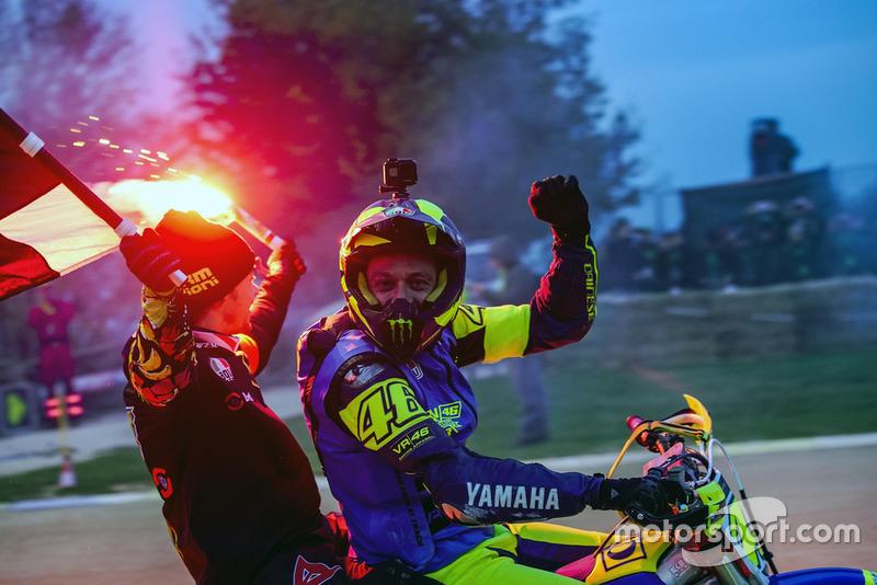 Valentino Rossi e Franco Morbidelli, festeggiano la loro vittoria