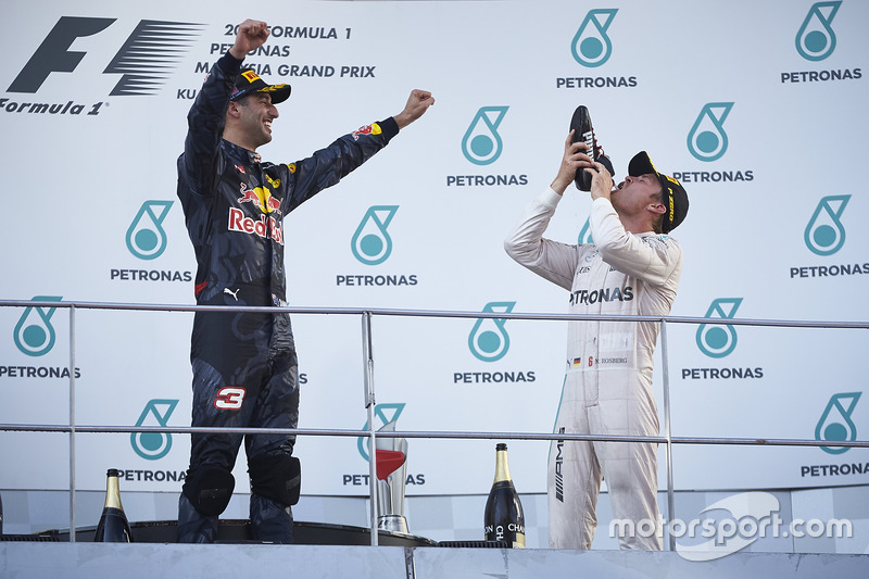 Podium: race winner Daniel Ricciardo, Red Bull Racing, third place Nico Rosberg, Mercedes AMG F1