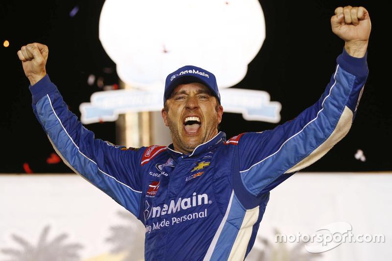 1. Elliott Sadler, JR Motorsports, Chevrolet