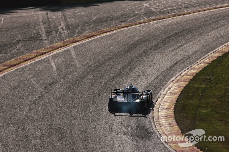 #41 Greaves Motorsport, Ligier JS P2-Nissan: Memo Rojas, Julien Canal, Nathanaël Berthon in der Raidillon