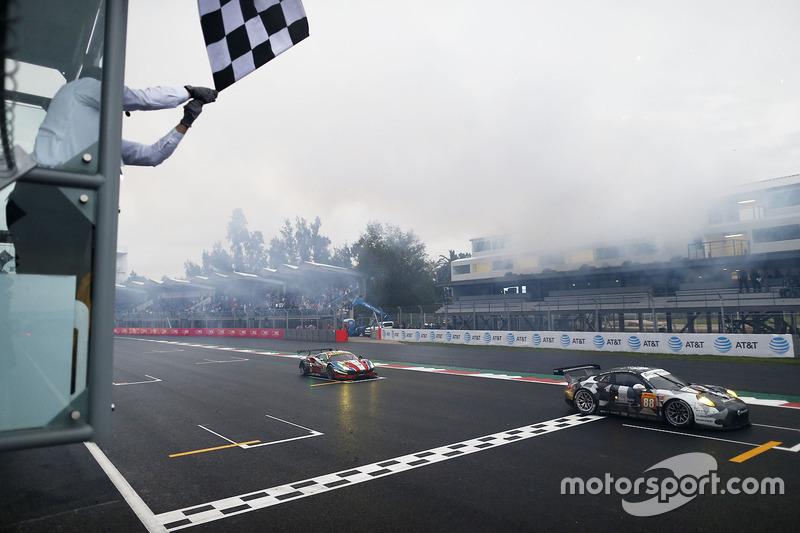 #88 Proton Racing Porsche 911 RSR: Khaled Al Qubaisi, David Heinemeier Hansson, Patrick Long finishe