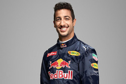 Daniel Ricciardo, Red Bull Racing, con el logo de Aston Martin