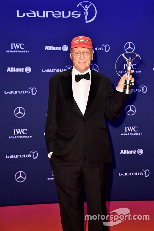 Niki Lauda, Mercedes Non-Executive Chairman met zijn Laureus lifetime achievement award