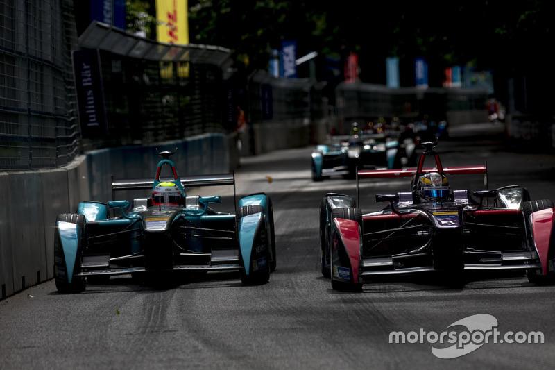 Олівер Тьорві, NEXTEV TCR Formula E Team; Жан-Ерік Вернь, DS Virgin Racing