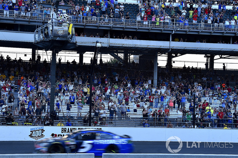 Kasey Kahne, Hendrick Motorsports Chevrolet gana