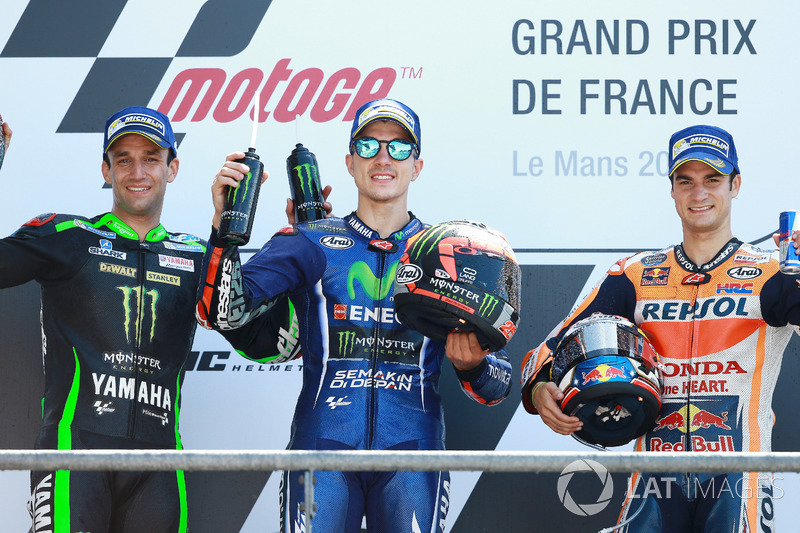 Podium: ganador, Maverick Viñales, Yamaha Factory Racing, segundo, Johann Zarco, Monster Yamaha Tech 3, tercero, Dani Pedrosa, Repsol Honda Team