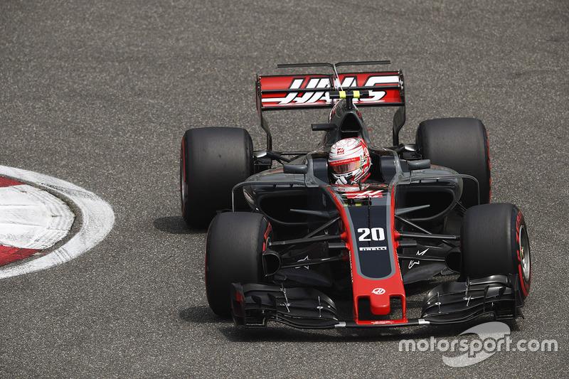 12: Кевин Магнуссен, Haas F1 VF-17